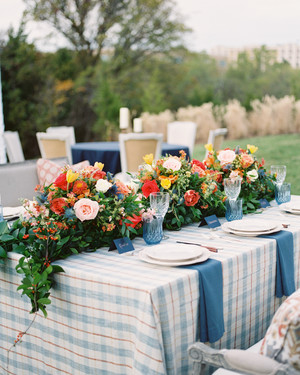 25 Plaid Wedding Ideas That Are Cozy and Chic