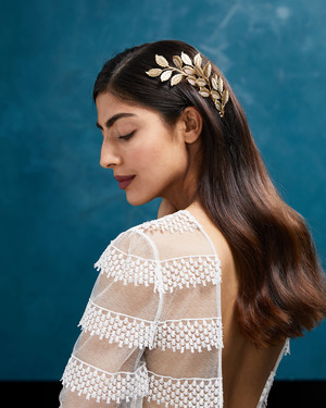 28 Modern Hair Accessories for Your Wedding Day