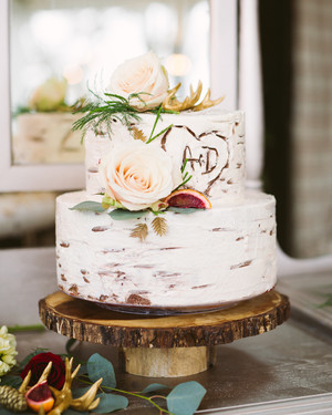 52 Small Wedding Cakes With A Presence