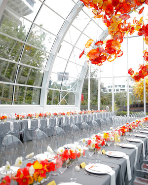 25 Lucite Wedding Ideas for the Minimalist Couple