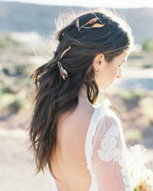 20 Pretty Hair Accessories for a Bride to Wear on Her Wedding Day