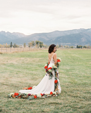 A Floral Trend We're Loving: Garland Wedding Bouquets