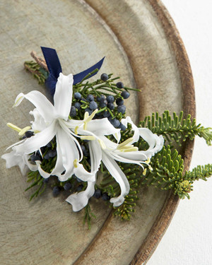 8 Unexpected Combinations to Consider for Your Winter Wedding Boutonnière