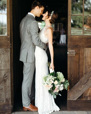 One Couple's Rustic Farm Wedding in Eugene, Oregon