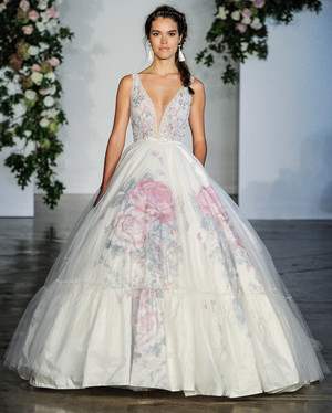 2018 dresses collection