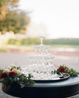 21 Champagne Towers to Copy for Your Own Wedding Reception