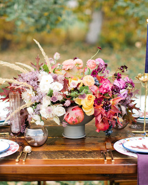 How to Set a Thanksgiving Table That's Both Classic and Modern