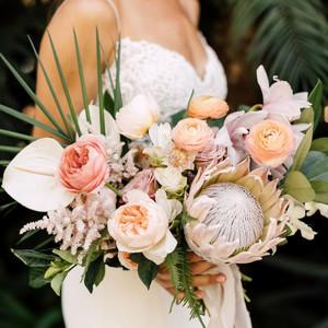 heat resistant bouquets plum oak