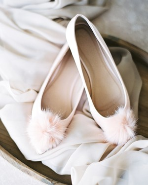 156144036d1e 22 Pairs of Wedding-Worthy Flats