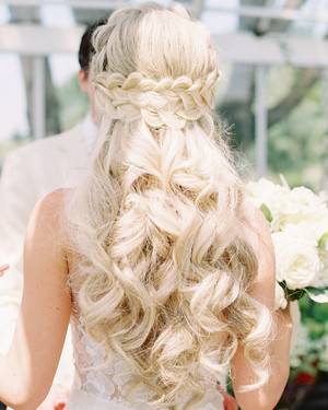 33 ways to wear your hair down for your wedding martha stewart 28 half up half down wedding hairstyles we love junglespirit Images