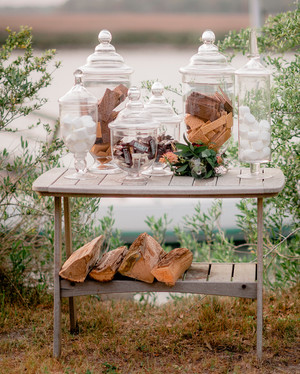 Wedding S'mores Desserts That Guests Will Want S'more Of
