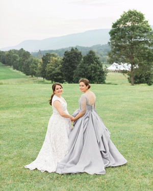 A Beautiful Summer Wedding at a New York Sculpture Park