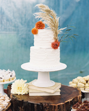 24 Beautiful Buttercream Wedding Cakes