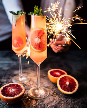 24 Champagne-Based Signature Cocktails for Your New Year's Eve Wedding