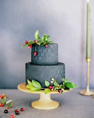 Trending Now: Honeycomb-Inspired Wedding Details