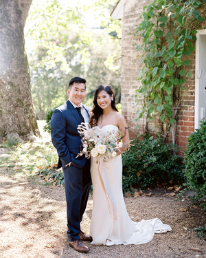 Thomas Jefferson's Childhood Home Was the Backdrop for This Couple's Outdoor Wedding