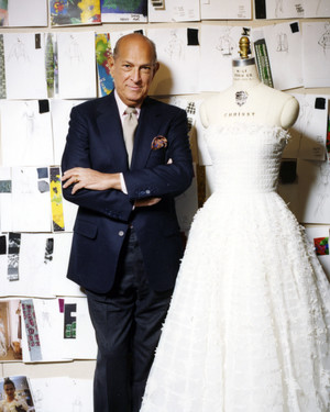 Oscar de la Renta's Expert Advice on Finding the Perfect Wedding Dress