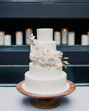 14 Questions to Ask Your Wedding Cake Baker | Martha Stewart Weddings