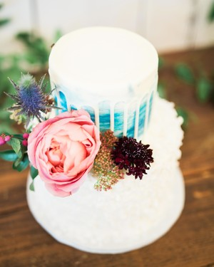 Trending Now: Drip Wedding Cakes