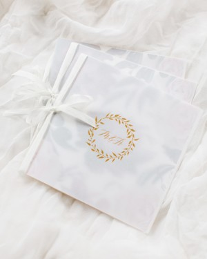 24 Wedding Details with Gold Foil