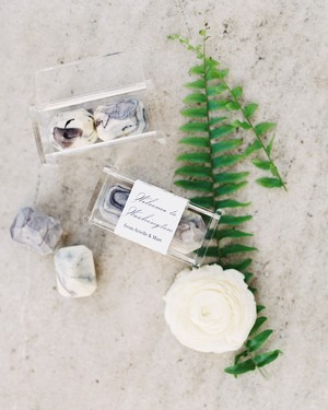 26 Chocolate Wedding Favors That Are Too Sweet to Pass Up