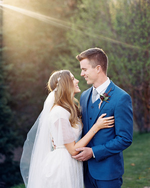 An Outdoorsy Couple Gets Hitched in the Mountains of Utah