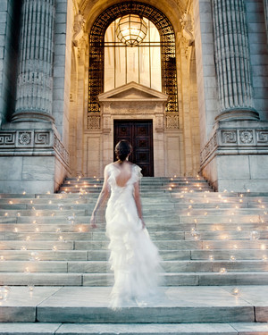 The Best Ways to Decorate the Stairs and Banisters at Your Wedding