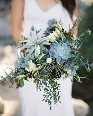 20 Succulent Wedding Bouquets Perfect for the Boho Bride
