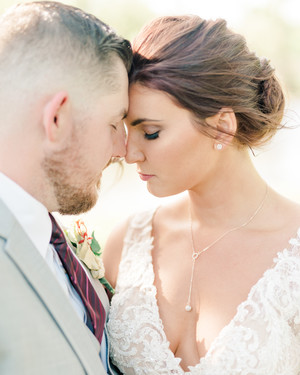 Amazing Necklaces to Wear on Your Wedding Day