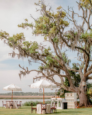 A Pretty Southern Wedding for a Pair of Foodies