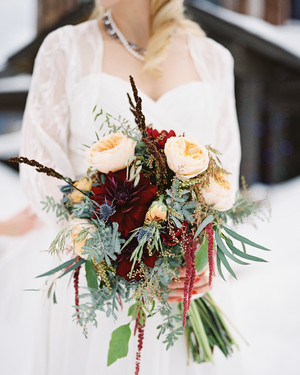 37 Absolutely Gorgeous Winter Wedding Bouquets