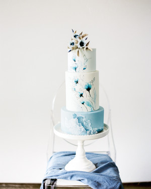 20 Amazing Fondant Wedding Cakes