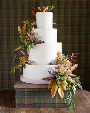 75 Fall Wedding Cakes We're Obsessed With