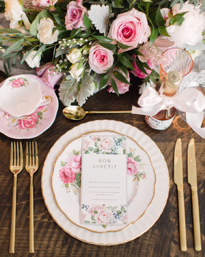 20 Ways to Throw the Prettiest Spring Bridal Shower