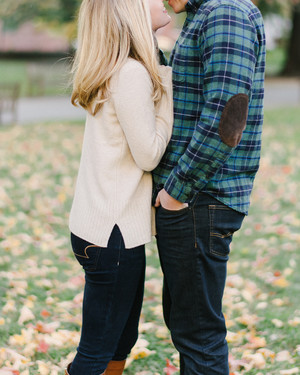 27 Sweet Ideas for Fall Engagement Photos