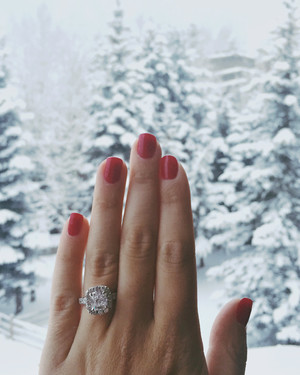 10 Crazy-Cute Holiday Engagement Stories