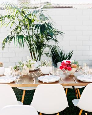 modern wedding centerpieces martha stewart weddings rh marthastewartweddings com  contemporary floral wedding centerpieces