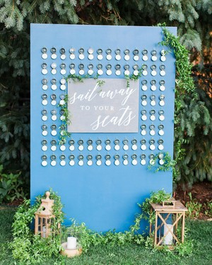 Trending Now: Compass Wedding Ideas