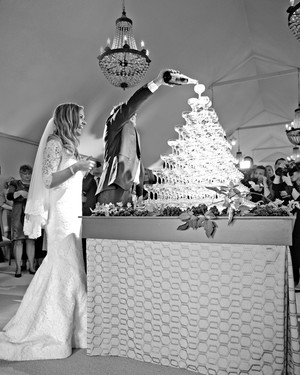 6 Wedding Champagne Towers Worth Popping Bottles For