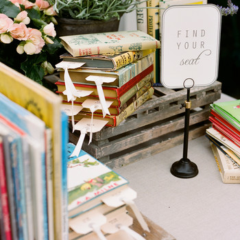 7 Ways to Incorporate Your Love of Reading Into Your Wedding