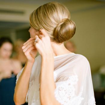 5 Ways to Fix a Wedding-Day Hair Emergency