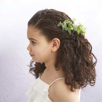 Flower Girl's Single Twist Sideswept Hairstyle