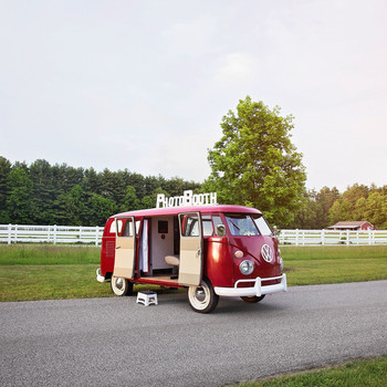 5 Specialty Volkswagen Buses You Can Rent for Your Wedding