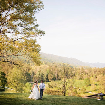 A Rustic Mountain Destination Wedding in Tennessee