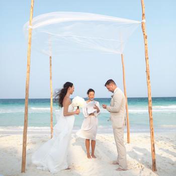 Your Destination Wedding Etiquette Questions Answered