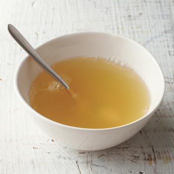 Should You Make a Daily Cup of Bone Broth Part of Your Healthy Pre-Wedding Diet?