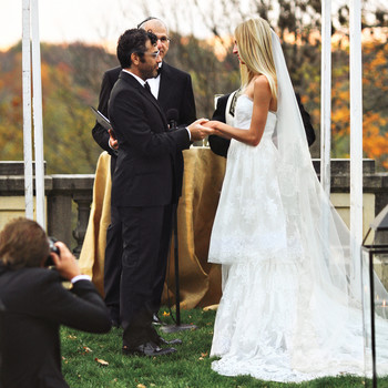 A Formal Black-and-Gold Wedding Outdoors in Indiana