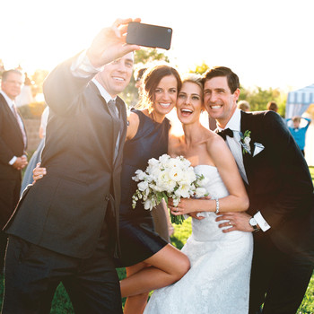 The Most Important Cell Phone Etiquette Rules for a Wedding
