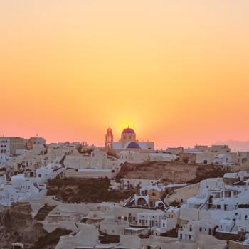 This Groom Surprised His Bridewith the Mediterranean Honeymoon of a Lifetime