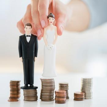 Wedding Budget, Bride and Groom Figurines on Money